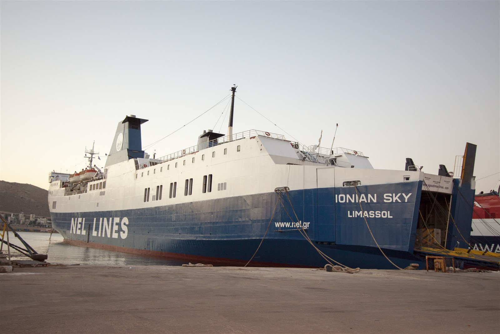 NEL LINES FB Ionian Sky 01_Personale 25Gi13