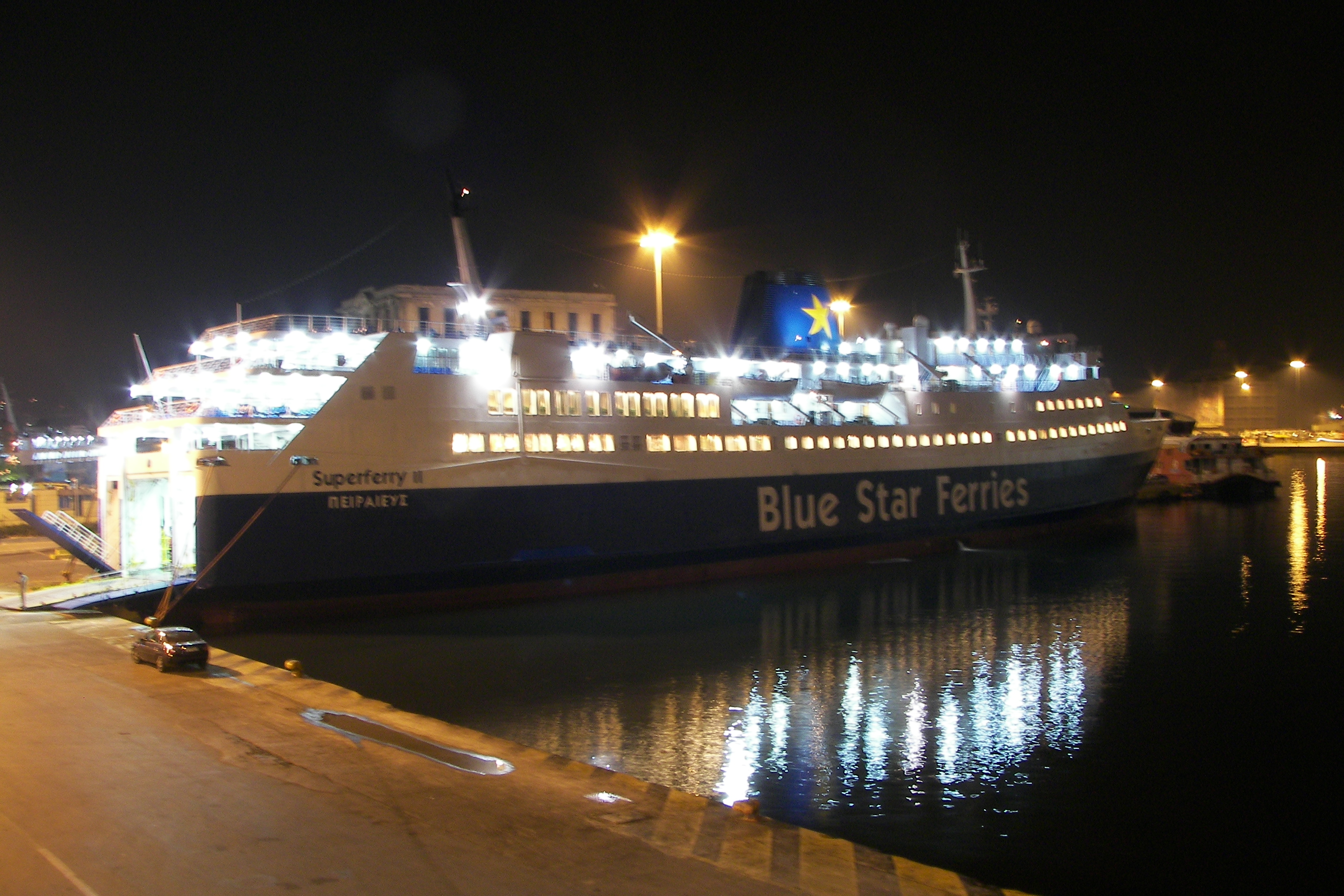 BLUE STAR FERRIES FB Superferry II 19_Personale 10Ge07