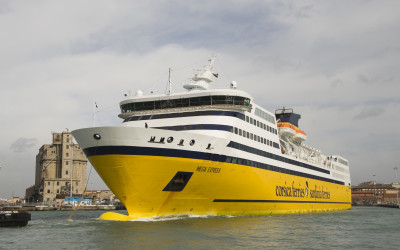 corsica-sardinia-ferries-hsf-mega-express-13_personale-01ma07