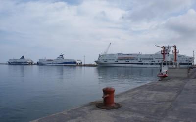 Porto Torres che parla di navi, risorse e non sa che fare