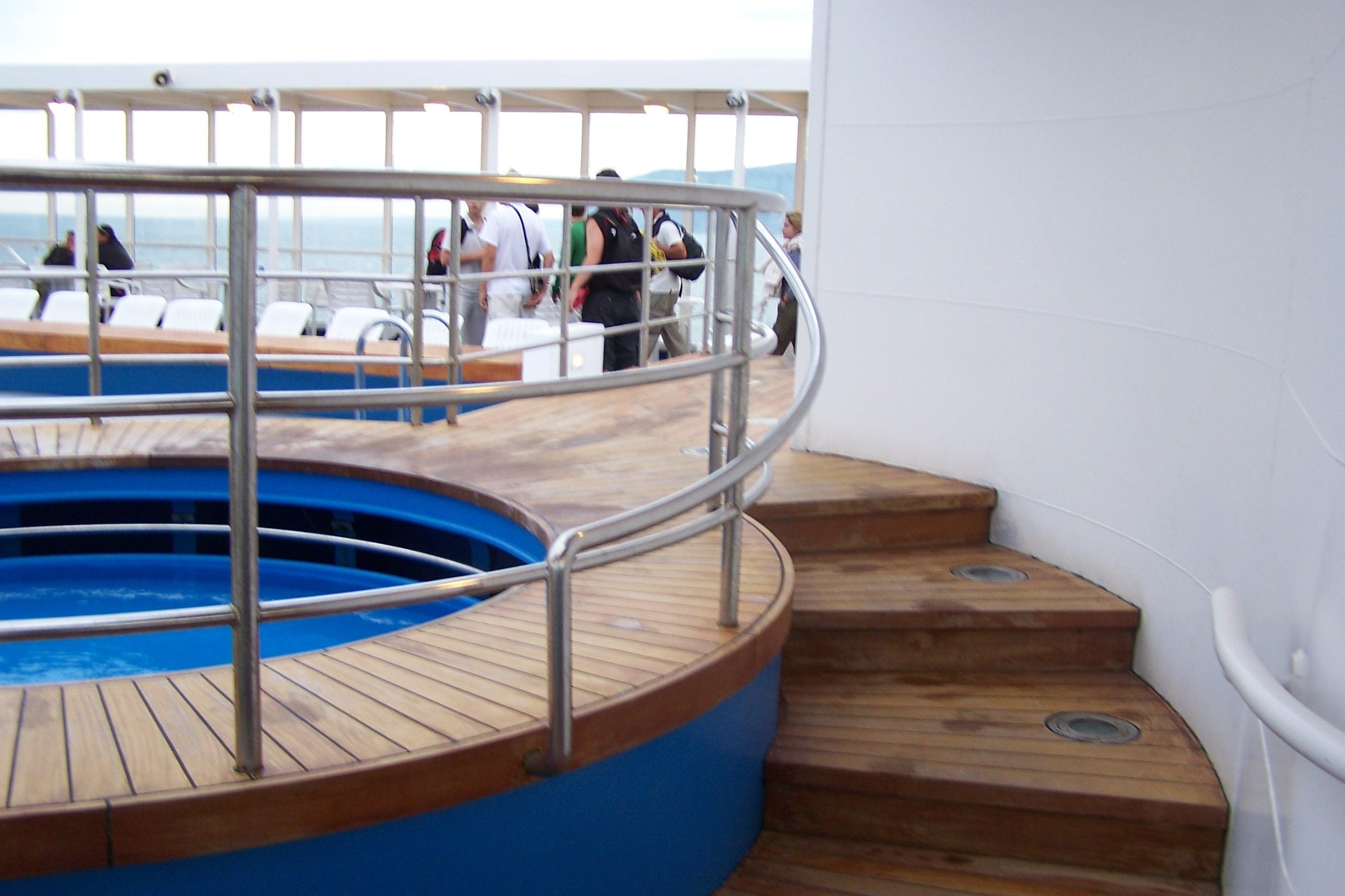 Grimaldi lines sulla civitavecchia olbia con cruise olbia conosciamo la nave navimania - Piscina bambini roma ...