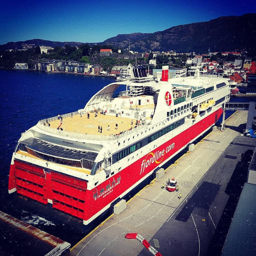 Fiordiline  in partenza da Bergen (video)